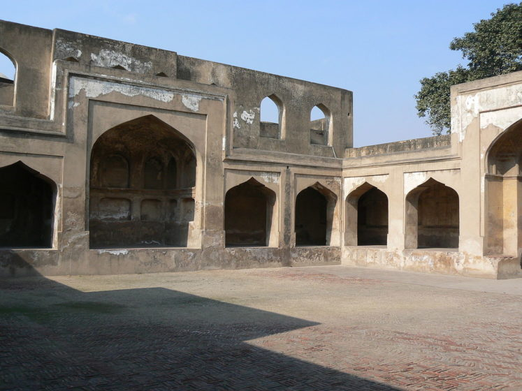 "Makateeb Khana ""Reception Chamber"" the forecourt of Jahangir's palace was built in 1617-18 A.D. It was used as the entrance gate by Muharrirs (Clerks)."