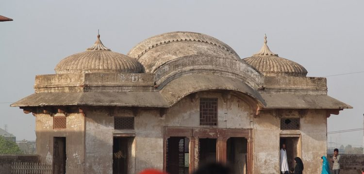 The Sikh-era Sehdari, or Three-doored pavilion served as an office for Faqir Syed Noor-ud-din, a trusted Governor of Ranjit Singh.