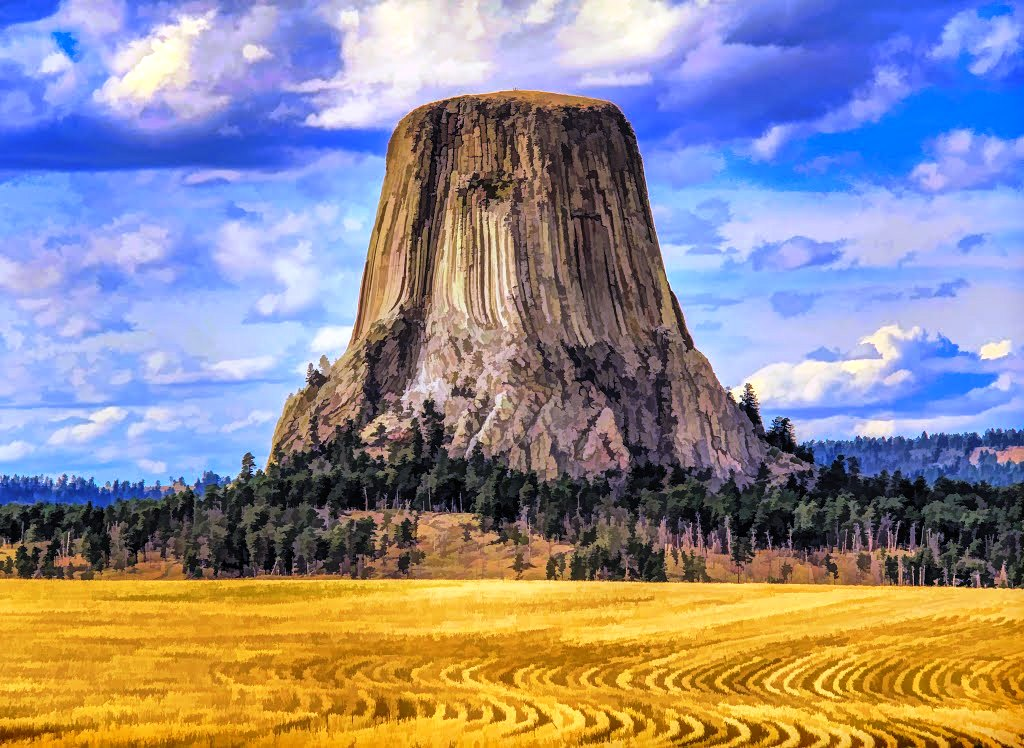 Devils Tower is 386 meter above the surrounding terrain and the summit is 1,558 meter above sea level. The 1.25-mile Tower Trail encircles the base.