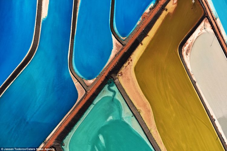 The Intrepid Potash evaporation ponds in the Moab area, Utah. Intrepid Potash is the largest producer of potassium chloride, also know as muriate of potash