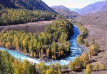 The Breathtaking Natural Beauty of Kanas Lake