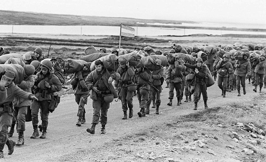 Very interesting to know history of Falklands War of 1982. Why did Falklands war start? 649 Argentine military personal died in Falkland War.