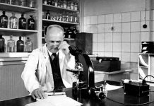 The award to the German doctor Gerhard Domagk of the Nobel Prize for Medicine and Physiology was announced in 1939.