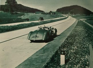 The world's first motorway was built in Berlin. In 1909 the German Automobile Club began investigating the feasibility of constructing a fast road to the west of the city.