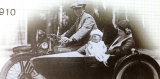 In 1902 an early prototype of the modern motorcycle sidecar was produced in Britain by Mills & Fulford presented in both Britain and France (1)