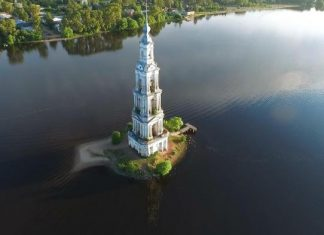 The Kalyazin Bell Tower is a 244 feet Neoclassical campanile over the waters of Volga River opposite the old town of Kalyazin, in Tver Oblast, northwestern Russia.