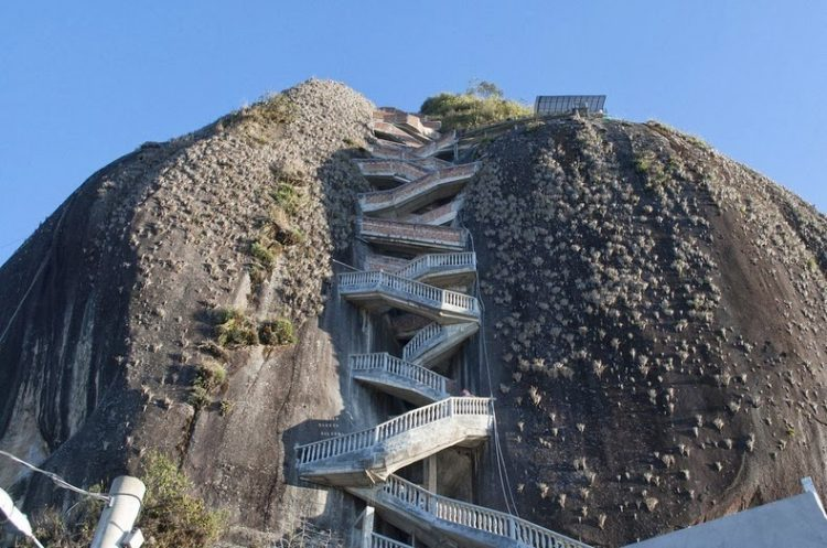 """The massive rock """"Peñol"""" is 935 ft long and 360 ft wide."""
