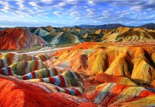 The Island sand is mainly used in cosmetics, paints, ceramic tiles, and decoration of houses and commercial buildings.